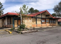 Abandoned Shoneys right next door to the Arbys I posted earlier- Charlotte NC Opened in  this was Charlottes third location Empty for at least  years
