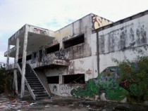 Abandoned Southeastern Travel Academy in KissimmeeFL x