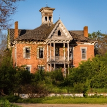 Abandoned th Century Mansion in Rural Ohio