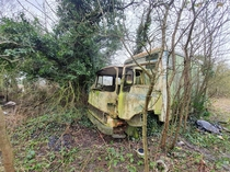 Abandoned truck Found outside the house of a coffin maker in Cheshire Anyone know the make