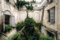 Abandoned Villa somewhere in Italy Photo by Michal Seidl