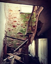 Abandoned William Tarr Mansion Paris KY