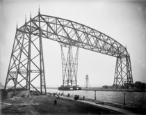 Aerial lift bridge at Duluth Minnesota