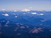 Aerial view of the Oregon Cascades and Mt Jefferson
