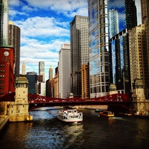 Afternoon on the Chicago River x