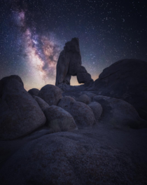 Alabama Hills under the Milky Way