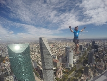 Alexander Schultz breaks world record over Mexico City