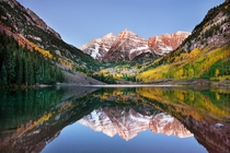Alpenglow at Maroon Bells in Aspen Colorado Photo by Chung Hu