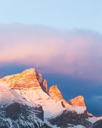 Alpenglow in Banff National Park switchbackimages