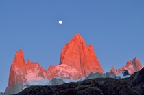 Alpenglow on Mt Fitz Roy PNN Los Glaciares Argentina