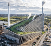 Amager Bakke waste-to-energy plant in Copenhagen has an artificial ski slope on the roof