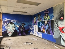 Amazing Batman Graffiti Found inside an Abandoned Nursing School Album in comments