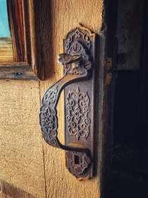 Amazing craftsmanship on this door handle found on a derelict farmhouse in Ontario Canada