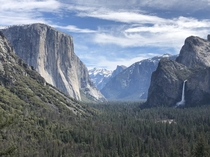 Amazing view of Yosemite Domes from Tunnel View