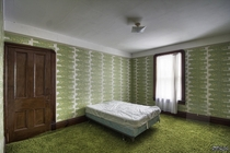 Amazing Wallpaper amp Shag Carpeting Inside a Huge Abandoned Farm House in Ontario