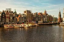 Amsterdam - Even when packed with tourists it is a pleasure to photograph