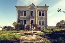 An abandoned house in the country  Photographed by Kleiner Hobbit