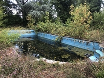 An abandoned pool on the Eure in Normandyu