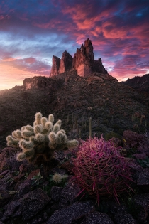 An insane light show I was lucky enough to capture over Three Sisters Peak in the Superstition Mountains Arizona OC  ross_schram