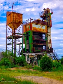 An old abandoned Barber-Greene Asphalt Plant in LaSalle IL