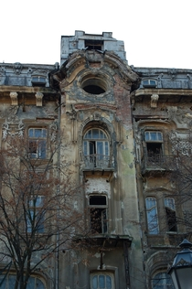 An old and abandoned hotel in the center of Odessa by Roland Geider