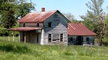 An Old Home Place on the backroads of eastern Randolph County NC USA
