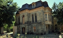 An old mansion that was once used as a hospital out in the wine country of California Love the Addams family vibes I got here OC x