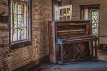 An old piano I found inside an abandoned churchschool in Florida OC