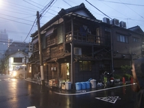 An old wooden house that survived in modern Tokyo