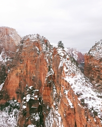 Angels Landing  Zion National Park Utah - Beautiful hike on Monday morning