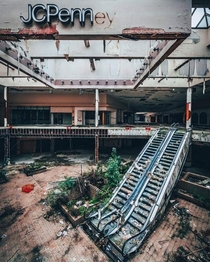 Another shot from the infamous Rolling Acres Mall in Akron Ohio