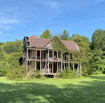 Another view of the house I found on a backroad of North Carolina