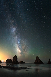 Bandon beach under the Milky Way by kdsphotography