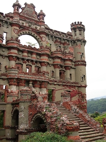 Bannermans castle Abandoned military surplus warehouse Pollepel Island Hudson River New York