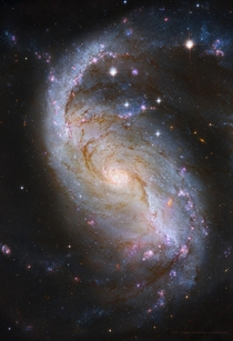 Barred Spiral Galaxy from Hubble