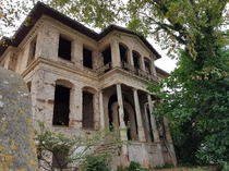 Beautiful but neglected villa near Istanbul Looks like someone tried restoring it and then just left it