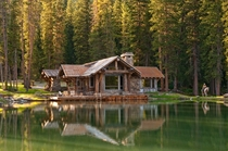 Beautiful Cabin on Geo-Thermal Pond awarded st Platinum LEED Certification in Southwest Montana