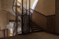 Beautiful elevator in an abandonned Office building built in