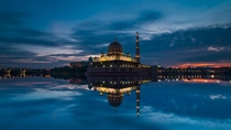 Beautiful Mosque In Jakarta Indonesia