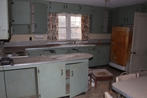 Beautiful Retro Kitchen Frozen in Time