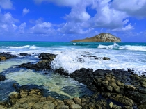 Beautiful view of Rabbit Island from the Makapuu Tide Pools in Hawaii