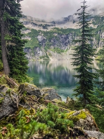 Beauty in every direction at Alpine Lakes Wilderness WA  hikedailyprn