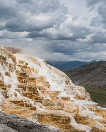 Besides the strong smell of sulfur Mammoth Hot Springs in Yellowstone is solely unique atmosphere OC