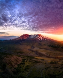 Blood red glow on Mount St Helens during sunset as seen from the Johnston Ridge observatory