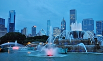 Blue hour at the Buckingham Fountain in Grant Park Chicago