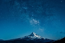 Blue Mt Hood by kdsphotography