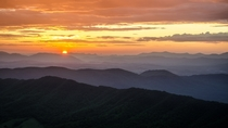 Blue Ridge sunrise on the Appalachian Trail - McAfee Knob Cawaba VA