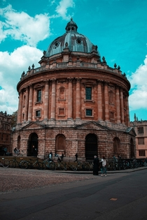 Bodleian Library Oxford UK The main research library of the University of Oxford