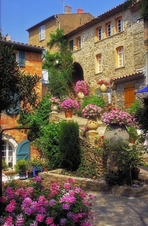 Bormes-les-Mimosas Entante Florale gold medal  French riviera photo by Jean Luc Julien