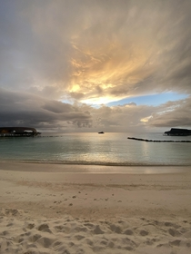 Breathtaking Sunsets  Vommuli Island Maldives